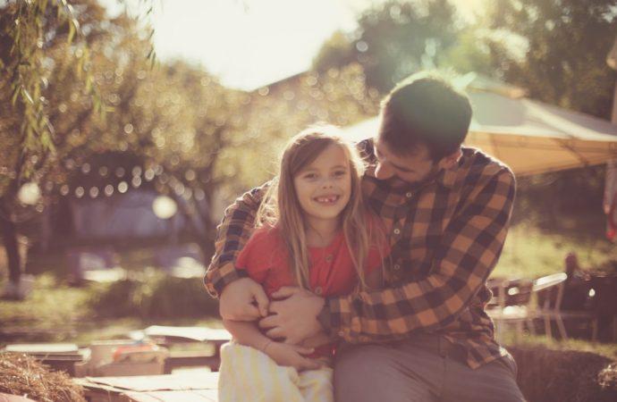 Jak budować z dzieckiem silną więź? Sposoby, które możesz stosować na co dzień