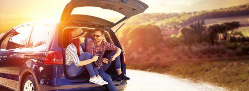 Samochód dla podróżnika – na co zwrócić uwagę przy wyborze?